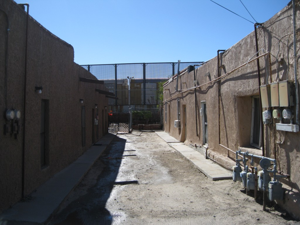 Housing in Chihuahuita right at the border to Mexico