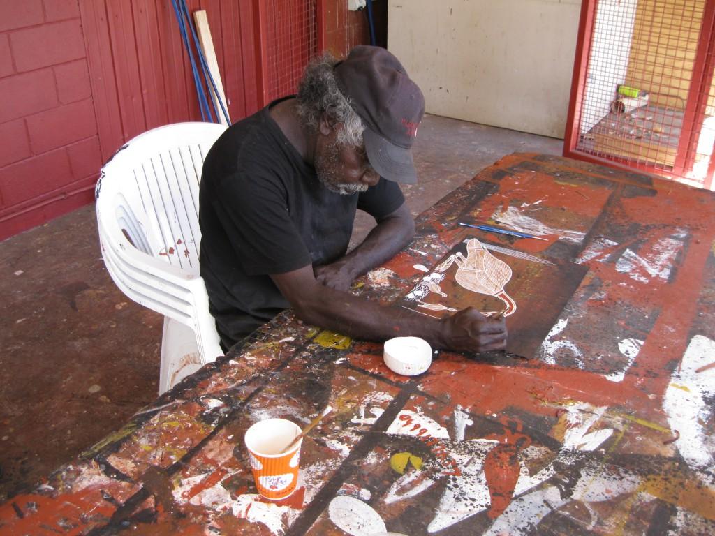 Artist at Injalak Arts & Crafts