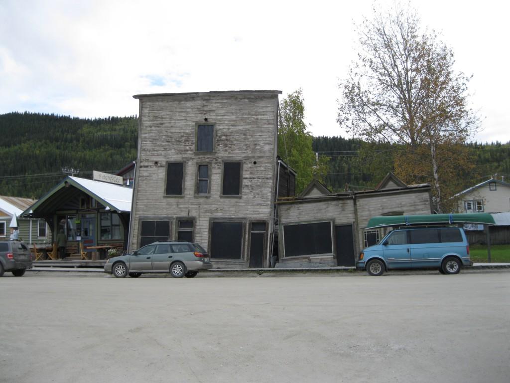 The Alchemy Café and the Third Avenue Hotel