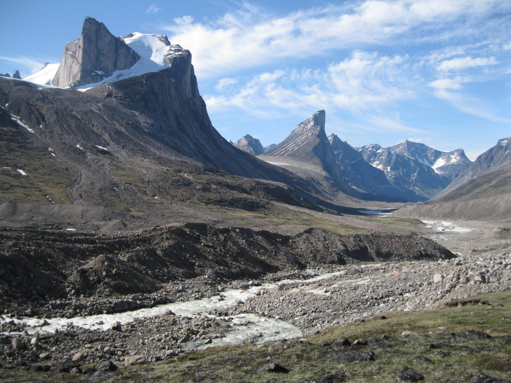 Mount Breidablik to the left, Mount Thor in the centre and the Weasel River