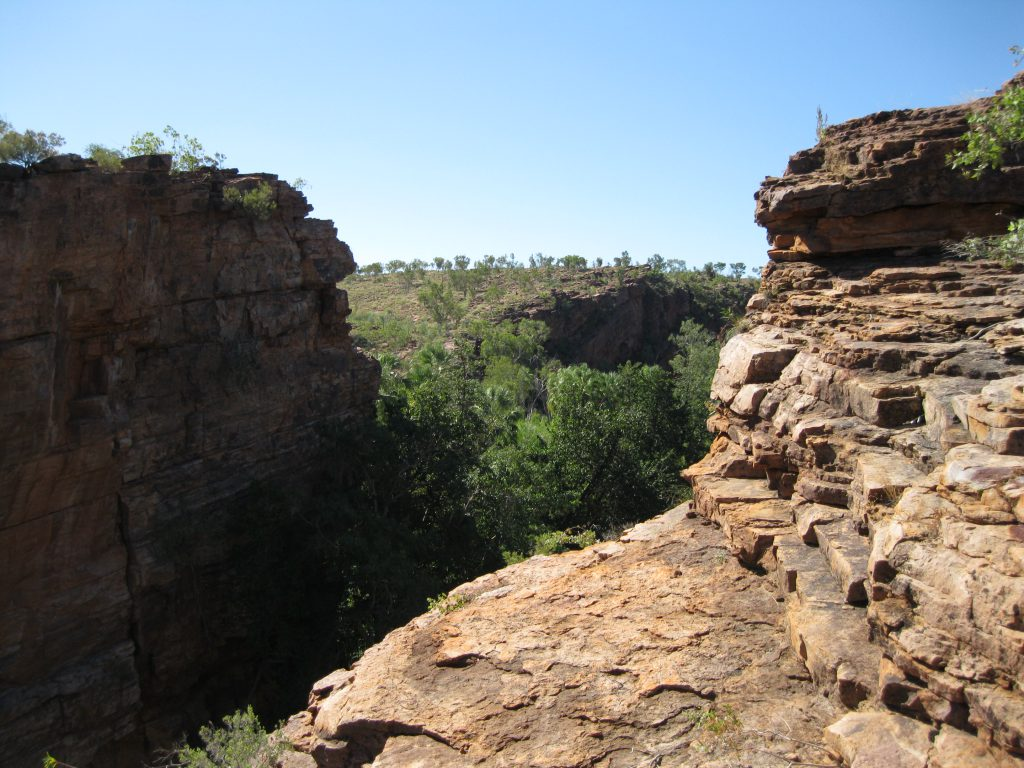 Rock walls at Upper and Middle Gorge Lookout looking towards the Middle Gorge